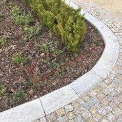 Kostka granitowa, rabatki, ścieżka (3)